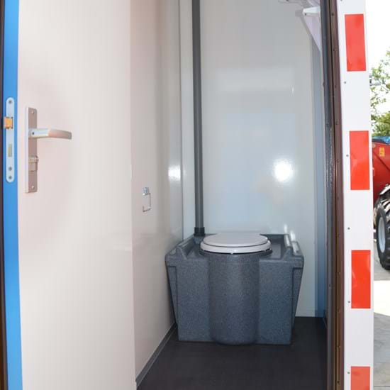 Mobile welfare unit with toilet